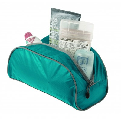 STS_ATLTBS_BL_TravelLightToiletryBagS_1426_2362px.jpg