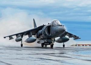 Avión Harrier I Navajas Spyderco I Esteller